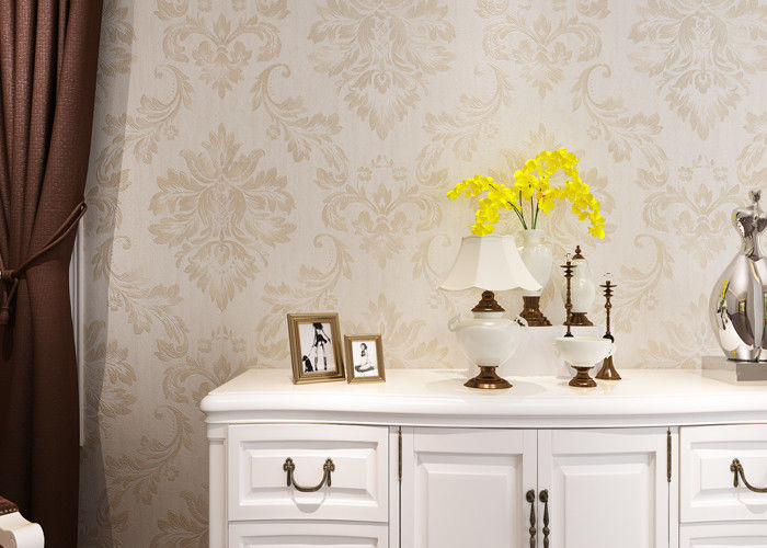 Eco - friendly Embossed Vinyl Wall Coverings , Silver Damask Pattern Wallpaper
