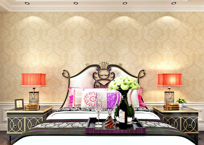 Golden Damask Pattern European Style Wallpaper For Living Room