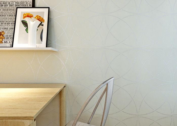 Beige nicht gesponnenes Wallcovering-Papier, moderne gestreifte ...